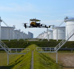 Technology_oil_gas_Digitalization_Digital_asset_condition_assessment_Falcker_tank_inspection_3d_artificial_intelligence_drone